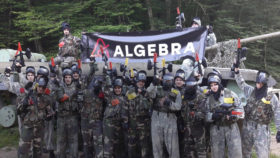 Image for Studenti Algebre na paintball-u